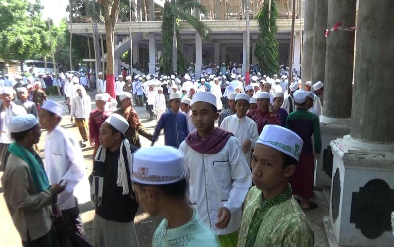 Santri Riyadlus Sholihin Probolinggo Gelar Sholat Ghaib untuk Korban Gempa Lombok