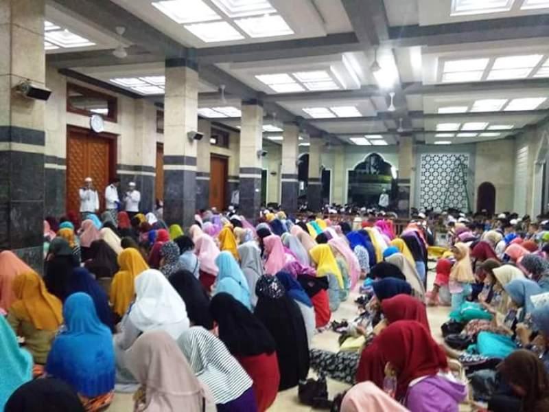 Ribuan Warga Hadiri Ruqyah Aswaja di Pekalongan