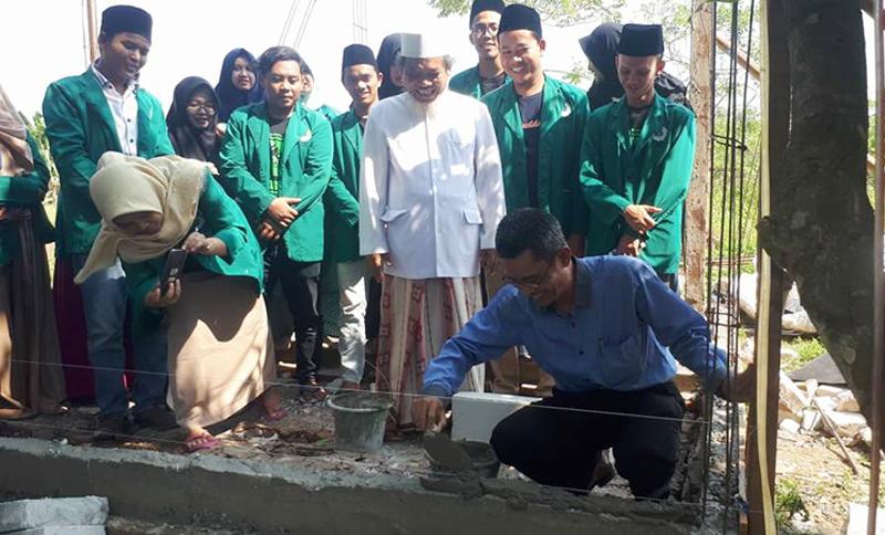 KKM STISNU Tangerang Bedah Rumah Warga dan Khitanan Masal