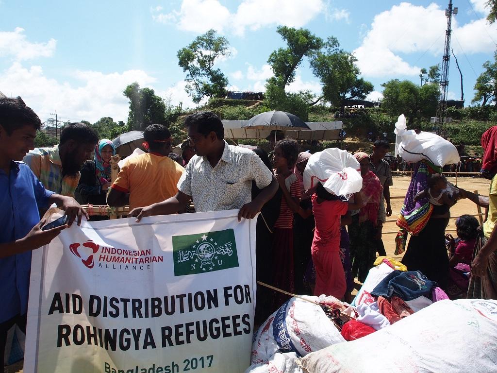 Bangladesh Didesak Hentikan Bantuan untuk Rohingya