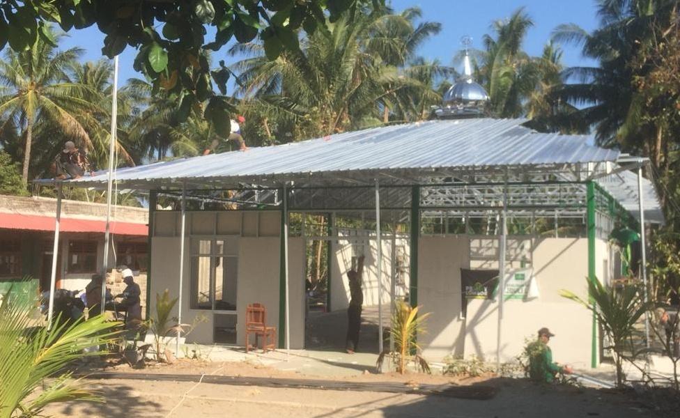 Pembangunan Masjid Antigempa NU Jateng di Lombok Utara Hampir Usai