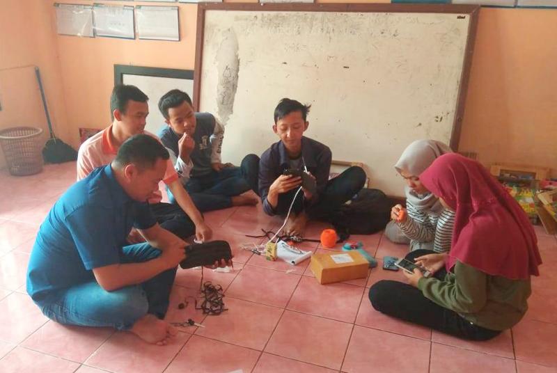 Banser Pataruman Ajak Pemuda Olah Sampah Plastik
