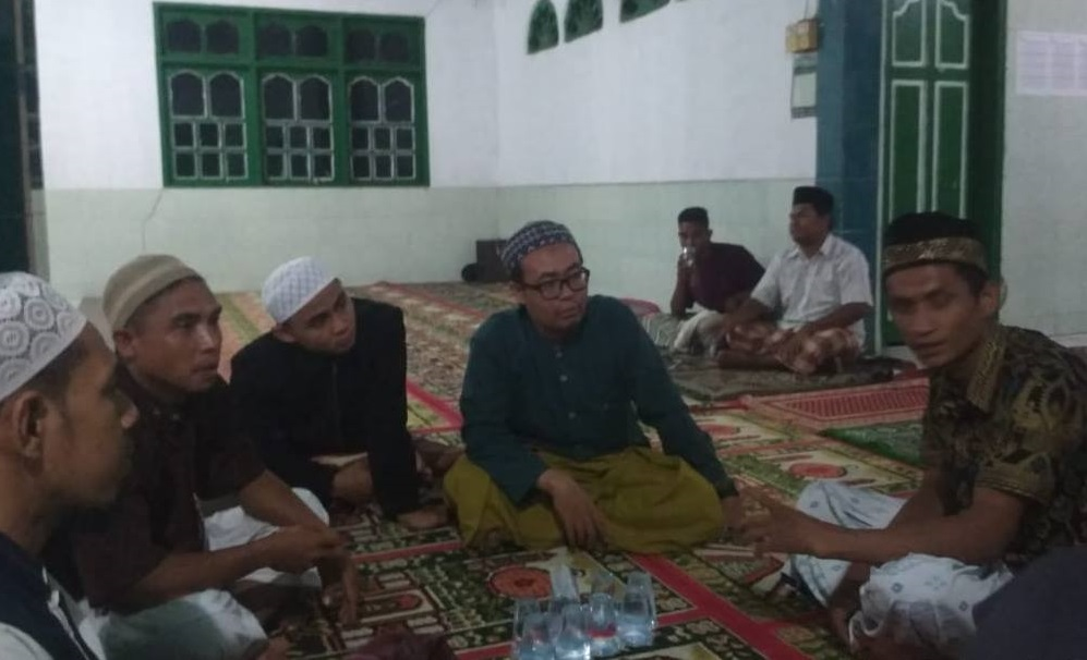 Tujuh Ustadz Parappe Dampingi Pengungsi Desa Sambo