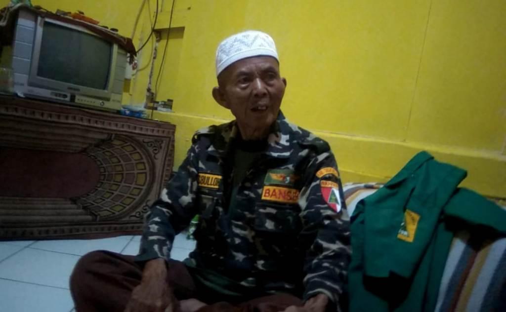 B. Hasbulloh, Banser Berusia 74 Tahun dan Tak Mau Pensiun