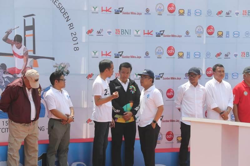 Dampingi Presiden Tinjau Venue di Jakabaring Sport, Menpora: Pelatnas Berjalan Sesuai Progres