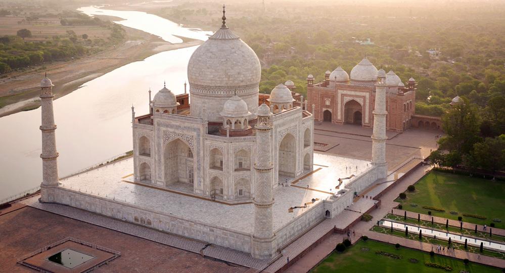 Kecuali Jumat, Otoritas India Larang Muslim Shalat di Taj Mahal