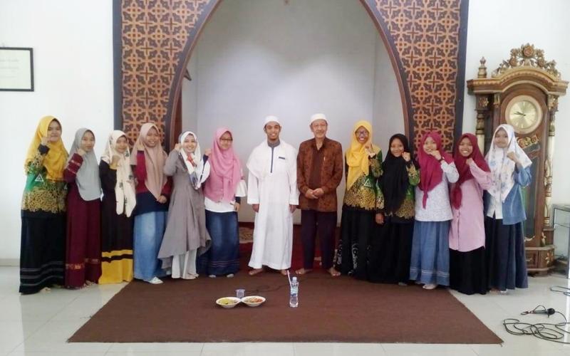 Jalin Kebersamaan, IPNU-IPPNU dan PMII Unwaha Gelar Maulid Bersama
