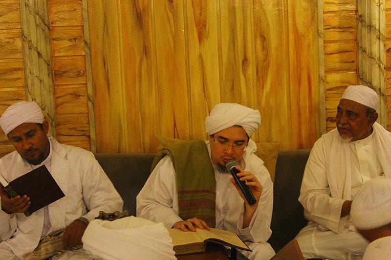 Habib Jindan: Rasulullah SAW Tidak Ajarkan Umatnya Mencaci