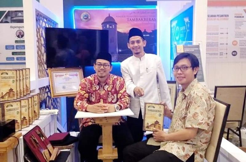 Di Expo ISEF, Pesantren Bahrul Ulum Sediakan Buku Sejarah dan Kaligrafi Santri
