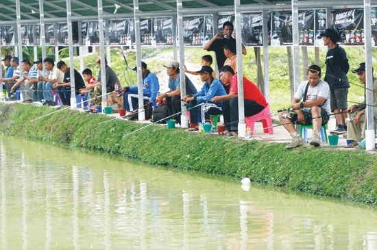 Hukum Memancing Ikan di Kolam Pemancingan