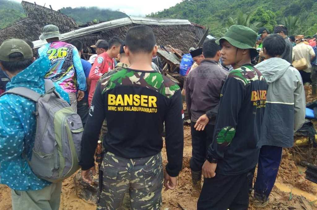 Musibah Longsor Landa Sukabumi Selatan, 107 Orang Tertimbun