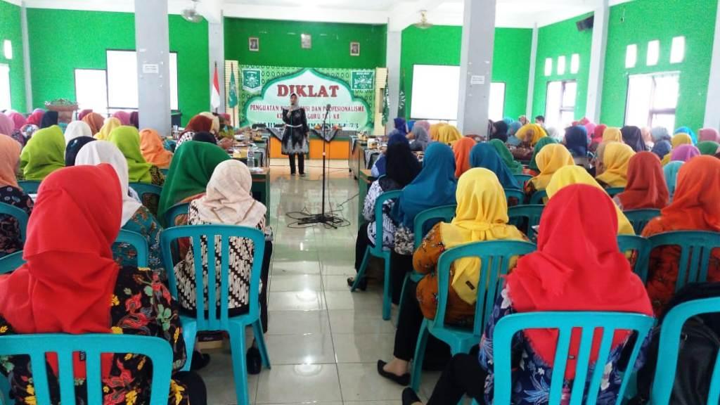 Cara Kepala dan Guru TK Muslimat NU di Jepara Tingkatkan Profesionalisme