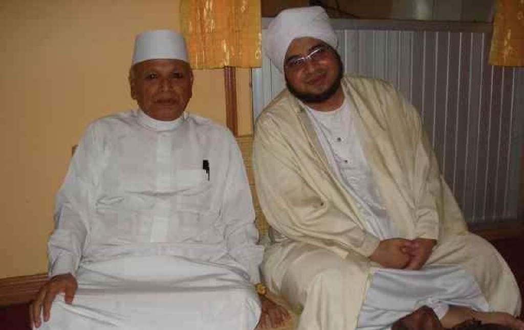 Kedekatan KH Abdurrahman Nawi dan Habib Munzir