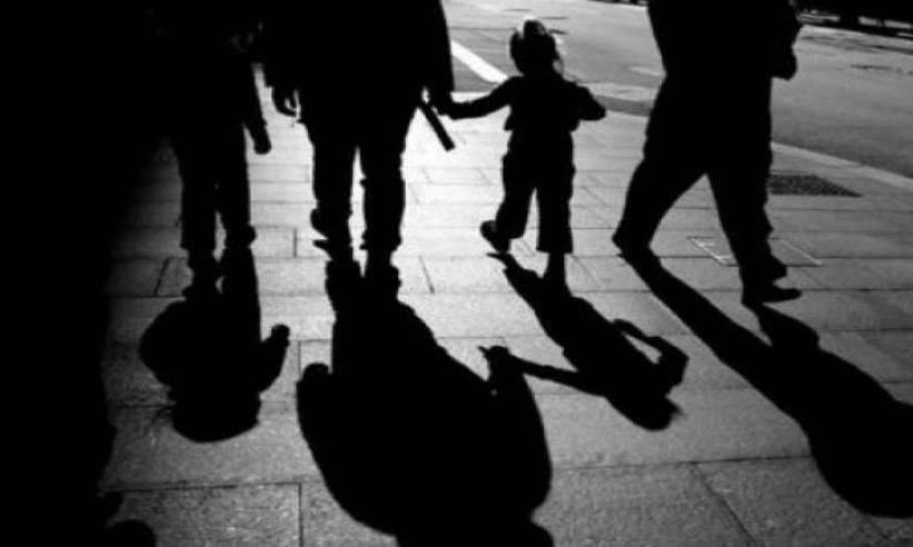 Larangan Menyandarkan Nasab Anak kepada Orang Tua Angkatnya