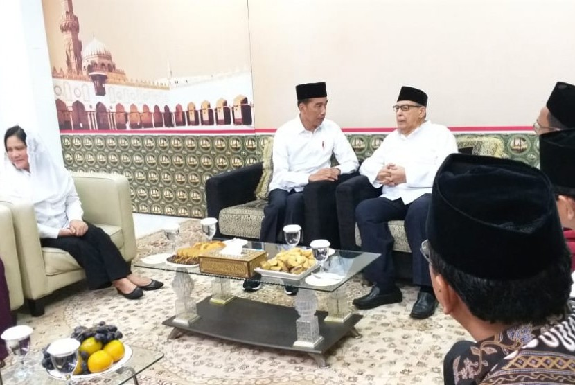 President and prominent Muslim scholar discuss Islamic moderation