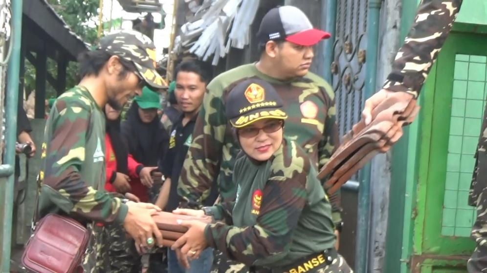 Ratusan Banser Sidoarjo Dikerahkan Bantu Korban Angin Puting Beliung