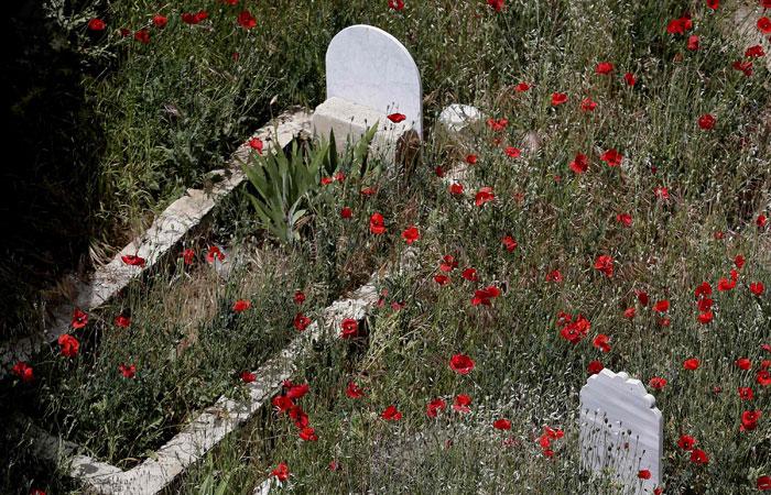 Kuburan, Rumah Idaman dan Penjara yang Menyiksa?