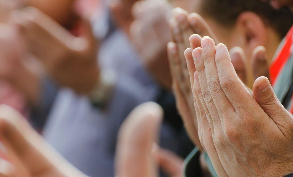 Doa Bernada Mengancam Tuhan gara-gara Pilpres?