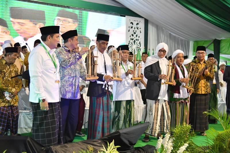 Bunyikan Angklung, Presiden Jokowi Buka Munas Alim Ulama-Konbes NU