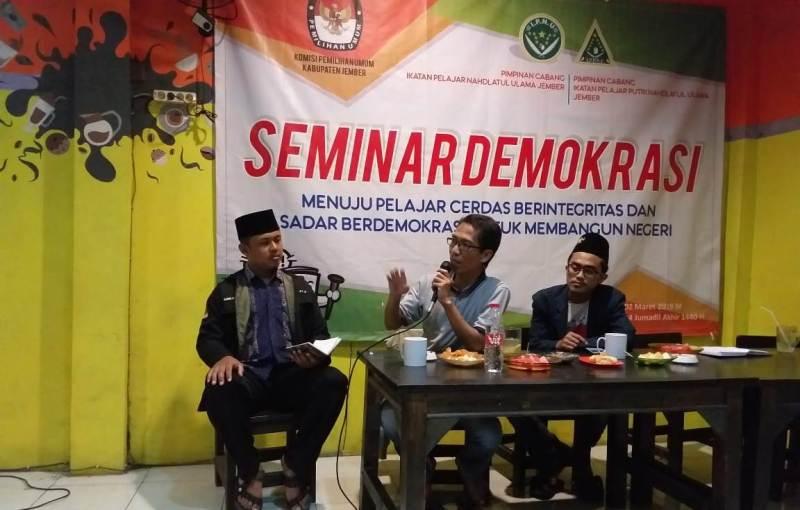 Dorong Pelajar Melek Politik, IPNU Jember Gelar Seminar Demokrasi