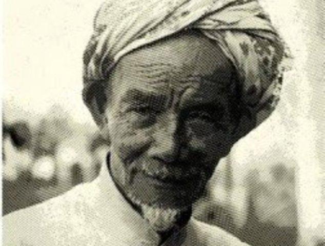Air Mata Kiai Subchi dalam Pelukan KH Wahid Hasyim