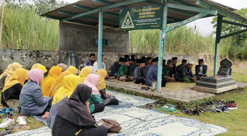 IPNU Karanganyar: Ziarah ke Pendiri untuk Sambung Sanad Organisasi