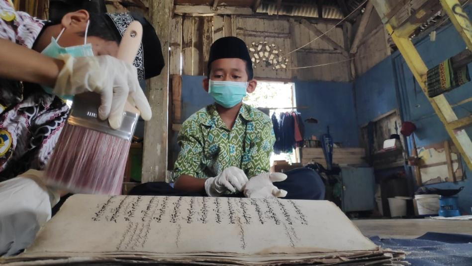 Inilah Keragaman Koleksi Naskah Kuno Surau Simaung Sumatera Barat
