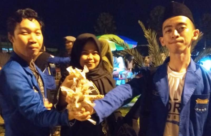 Pawai 1001 Obor Sambut Ramadhan di Pontianak
