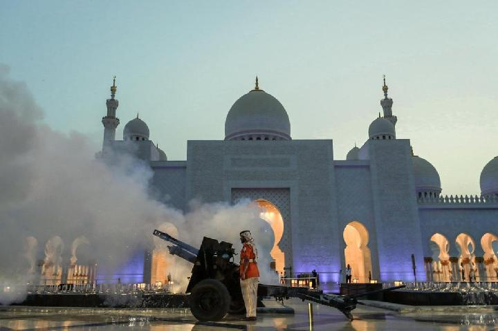 Alasan Negara Arab Pakai Meriam untuk Menandai Buka Puasa