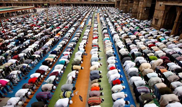 Kisah Hikmah Ubaidillah bin Umar Al-Qawariry tentang Shalat Berjamaah