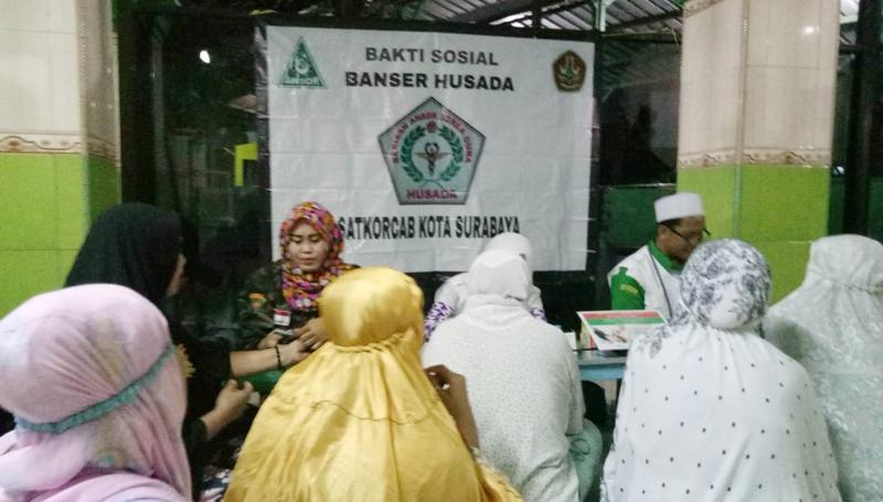 Peduli Kesehatan Warga, Banser  Surabaya Gelar Pengobatan Gratis