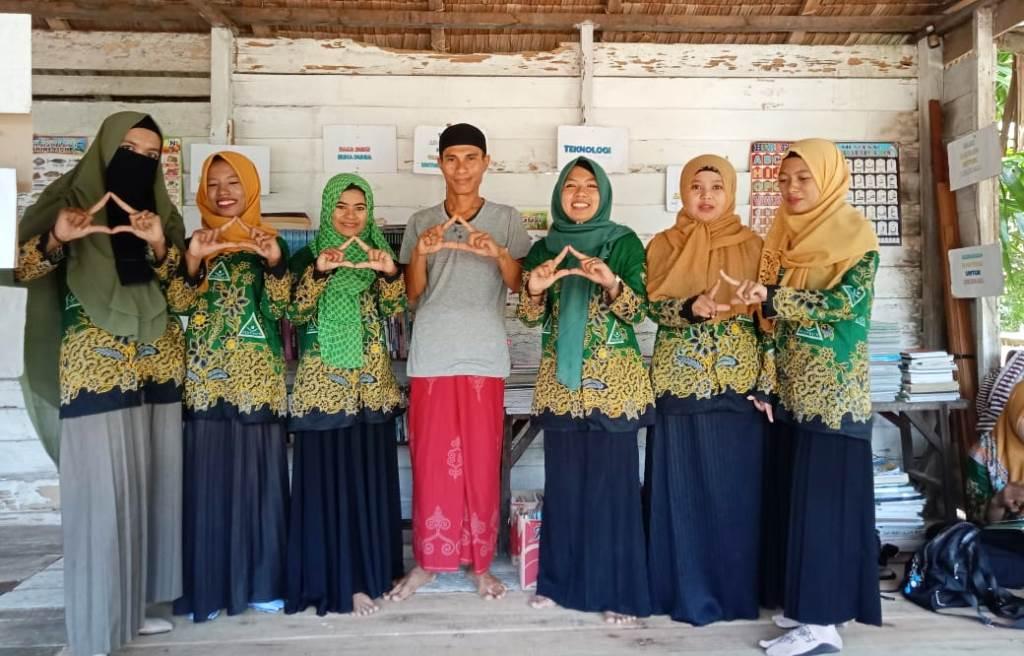 IPPNU di Kalbar Berbagi Buku di Kawasan Pedalaman