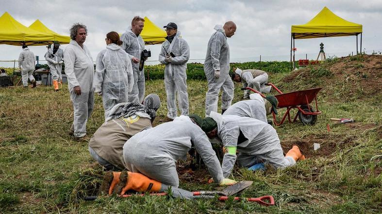 Kumpulkan Bukti Pembantaian, PBB Gali 12 Kuburan Massal Korban ISIS di Irak