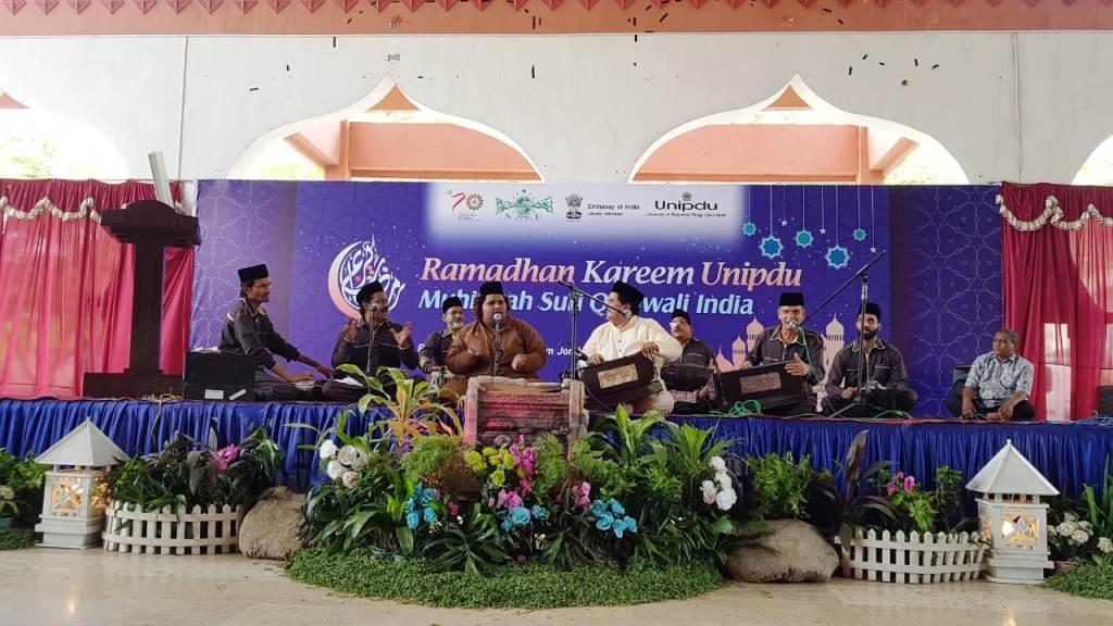 Muhibbah Qawwali Sufi India Manggung di Unipdu Jombang