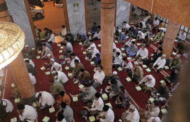 Tradisi Khataman Al-Qur'an pada Shalat Tarawih di Almunawwir Krapyak
