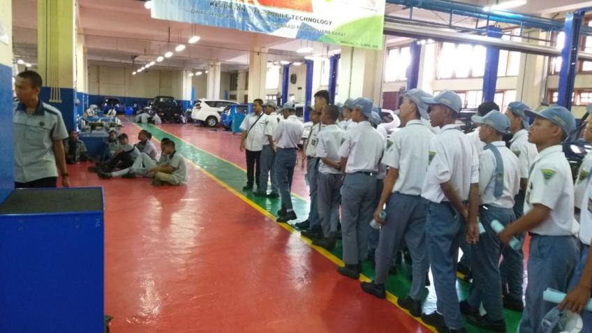 BLK Bandung Motivasi SMK Dwi Bhakti Ciledug Cirebon