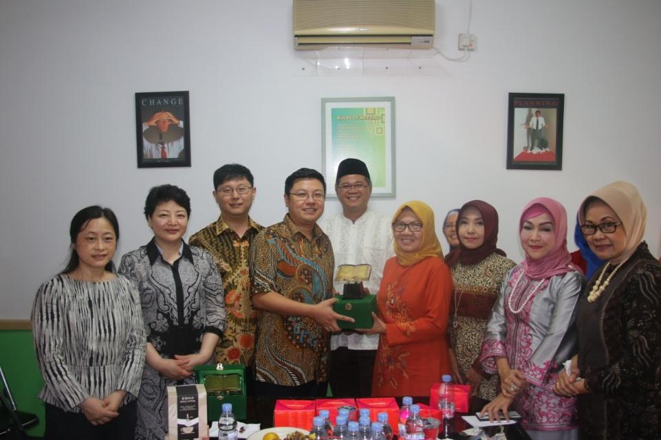 Tujuh LSM China Kunjungi Klinik Muslimat NU