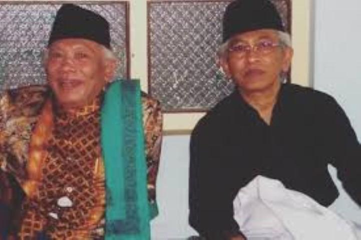 Beda Kiai Cholil dan Gus Mus dalam Berceramah