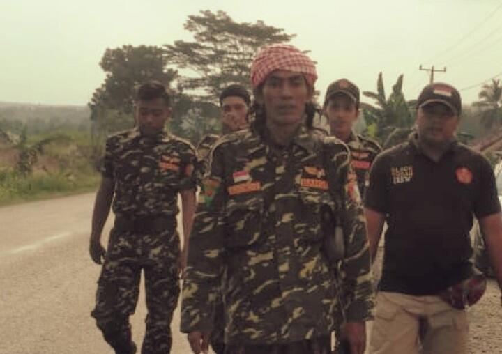 Seorang Anggota Banser Jalan Kaki Lampung-Jakarta atas Kemenangan Jokowi-Kiai Ma'ruf