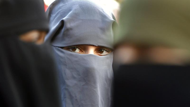 Demi Keamanan, PM Tunisia Larang Penggunaan Cadar di Kantor Pemerintah