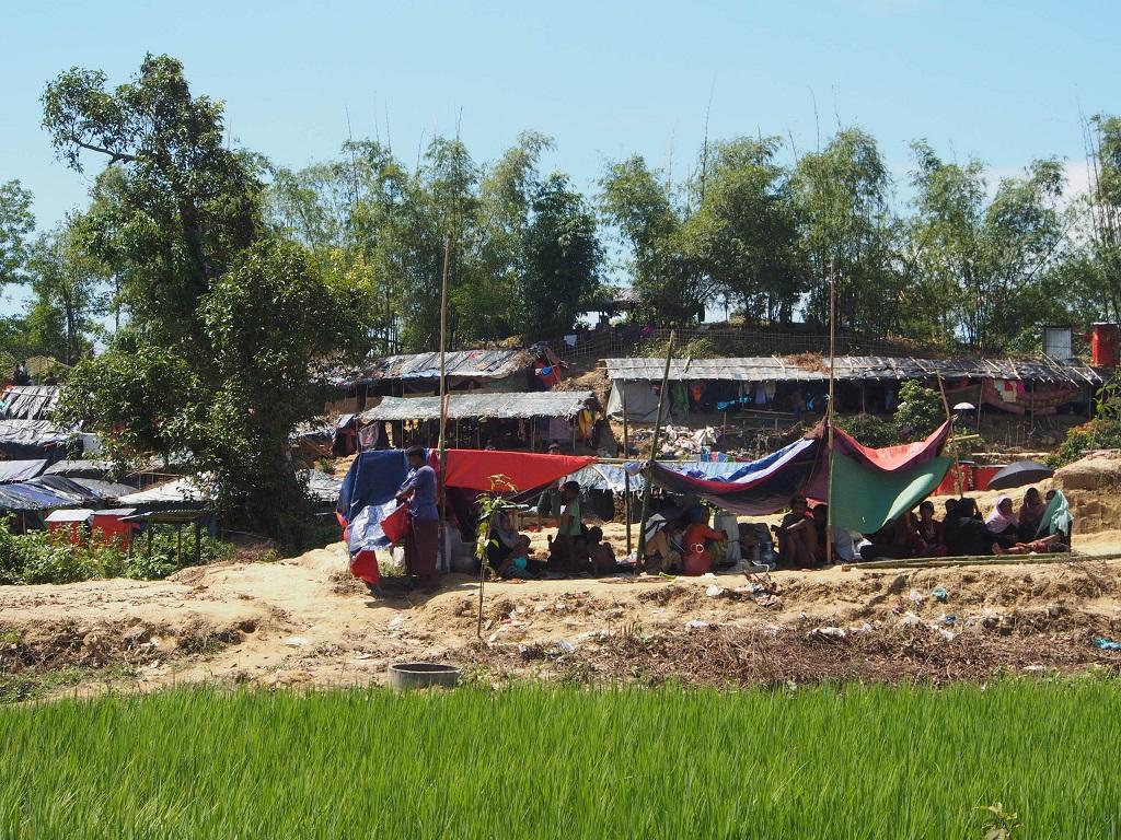 Longsor, Ribuan Pengungsi Rohingya Kehilangan Tempat Tinggal