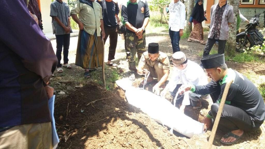 Aturan Fiqih ketika Galian Kuburan Mengeluarkan Air