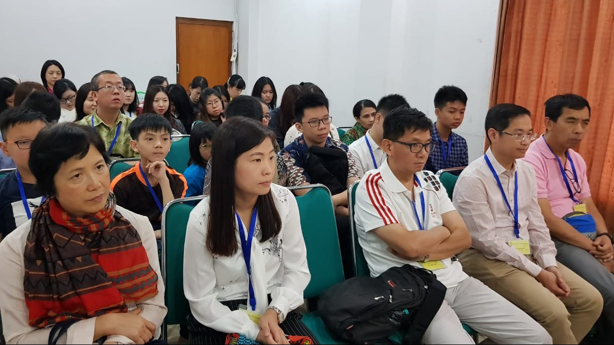 Kagum dengan Pesantren, Rombongan Dokter Asal Hongkong Kunjungi Tebuireng