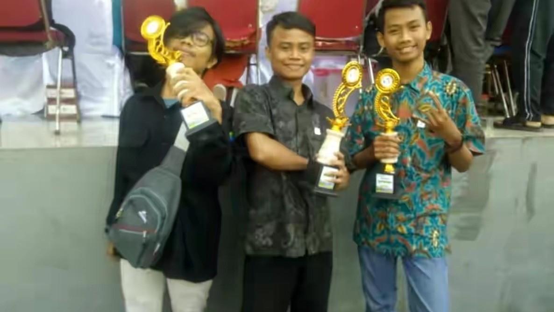 Mahasiswa UIJ Borong Juara Lomba Membuat Poster Digital