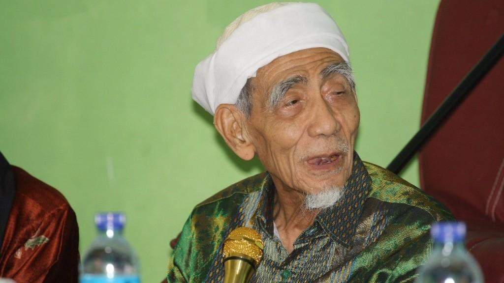 Alasan KH Maimoen Zubair Tetap di PPP