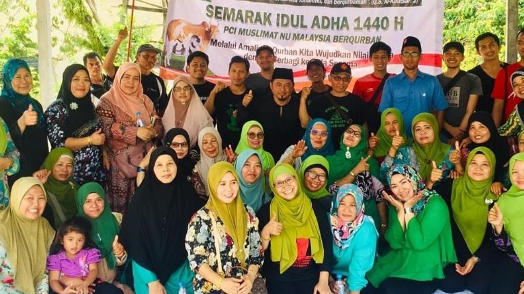 Muslimat NU Malaysia Sedekah Daging Kurban untuk 200 Anak Yatim