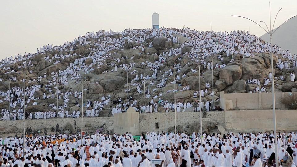 Cuaca di Tanah Suci 'Tidak Menentu', Jamaah Haji Diminta Waspada