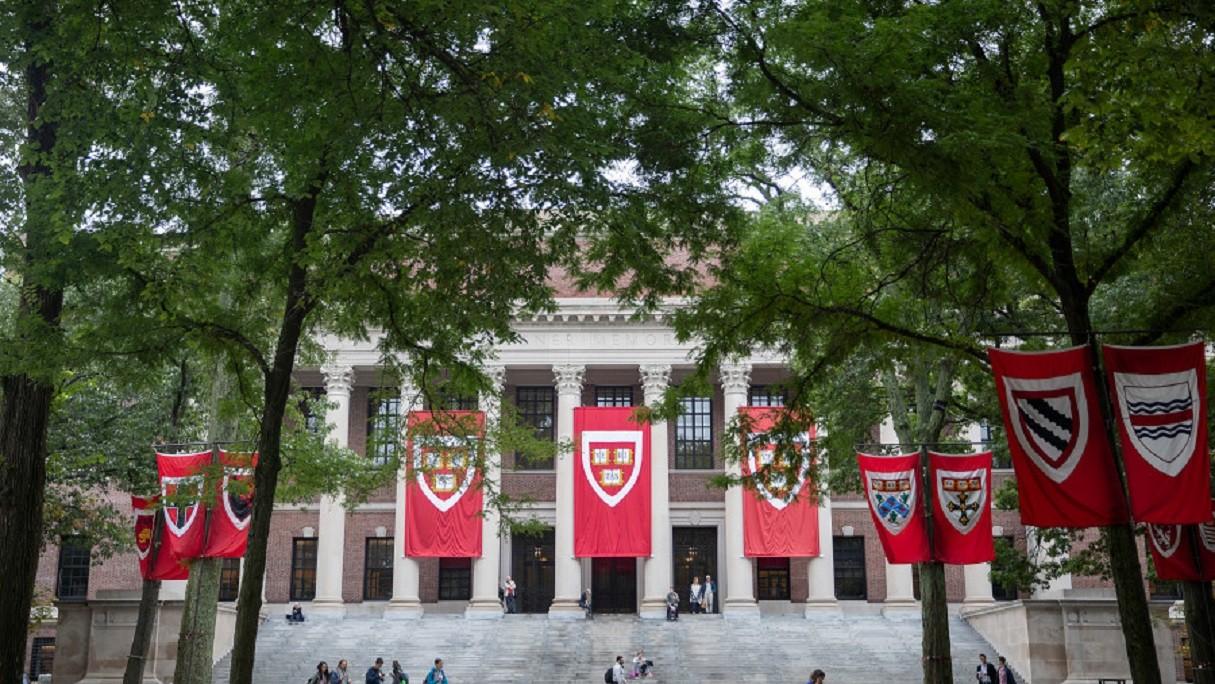 Gara-gara Medsos, Mahasiswa Harvard asal Palestina Ditolak Masuk AS