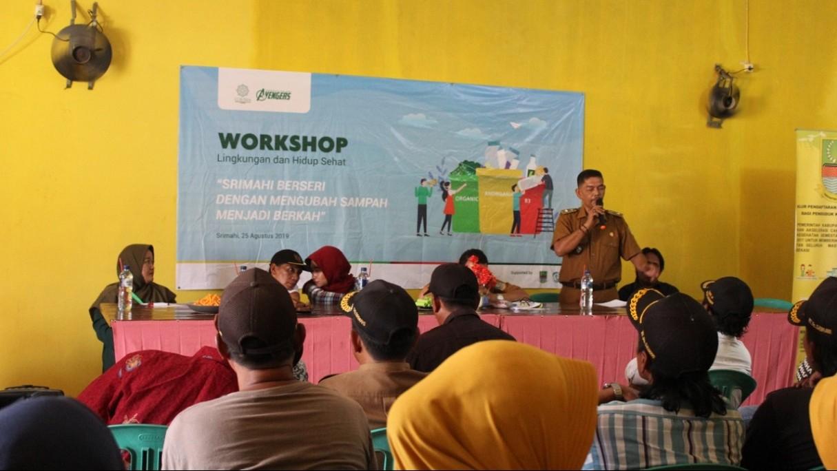 Cara Mahasiswa KKN Unusia Jaga Kesehatan Lingkungan di Desa Srimahi Bekasi