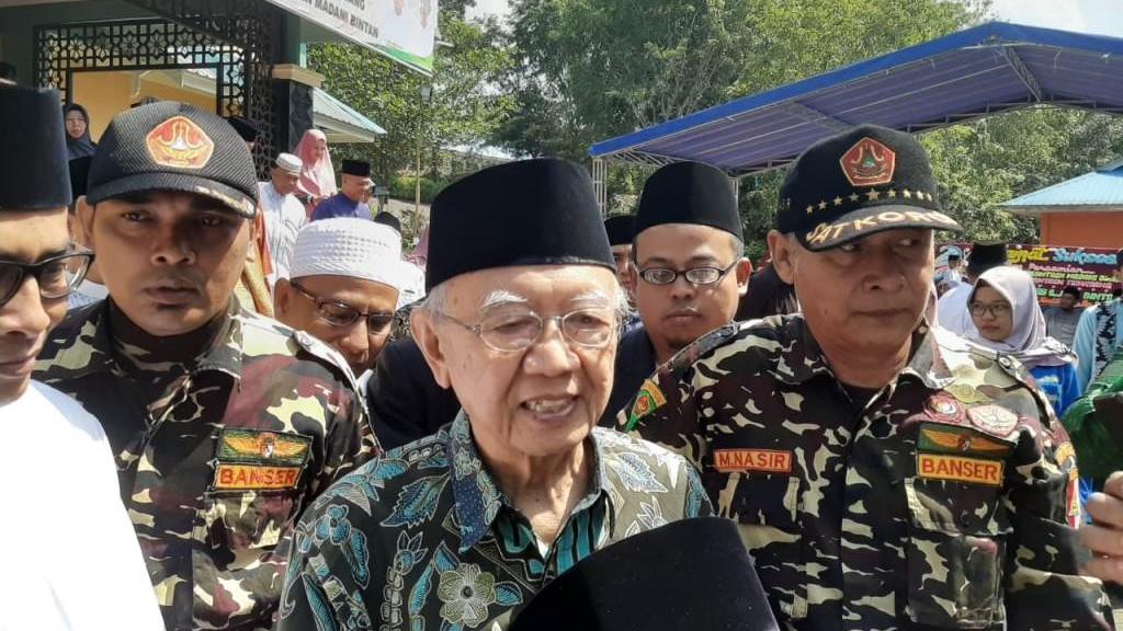 Gus Sholah Resmikan Cabang Pesantren Tebuireng di Bintan